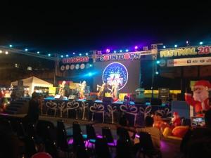 Chiang Mai dancers, New Year market
