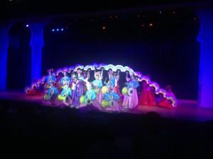 Chiang Mai Cabaret Show Fan Dance