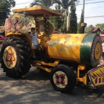 Tractor flower float
