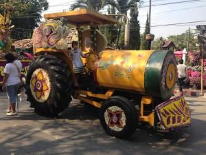 Tractor flower float